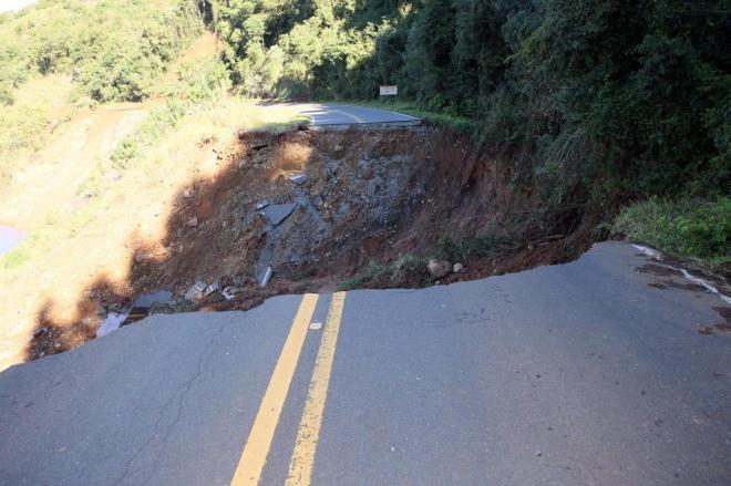 Governo quer verbas para rodovias de Santa Catarina Foto: Alvarélio Kurossu - RBS