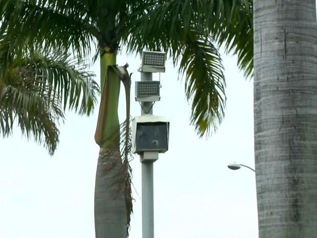 Radar na BR-101, no ES (Foto: Reprodução/ TV Gazeta)