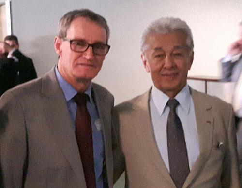 O prefeito de Três Cachoeiras (RS), Nestor Behenck Sebastião (o Quartinho), ao lado de China