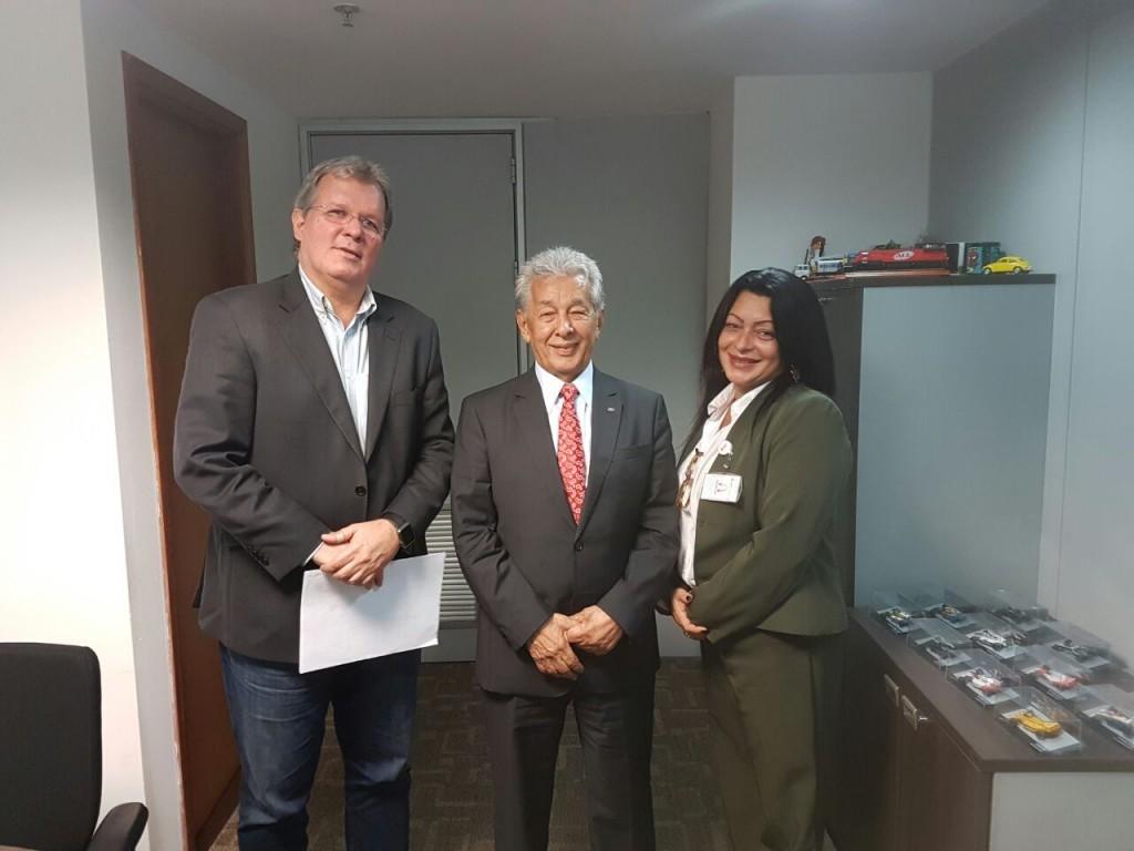 China foi recebido na ANTT pelo ouvidor Cesar e Rosimeire Freitas, da SUROC (Fotos: Divulgação Unicam)