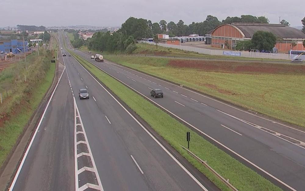 Corpo de Bombeiros registram dois acidentes em rodovias de Itapetininga (Foto: Reprodução/ TV TEM)