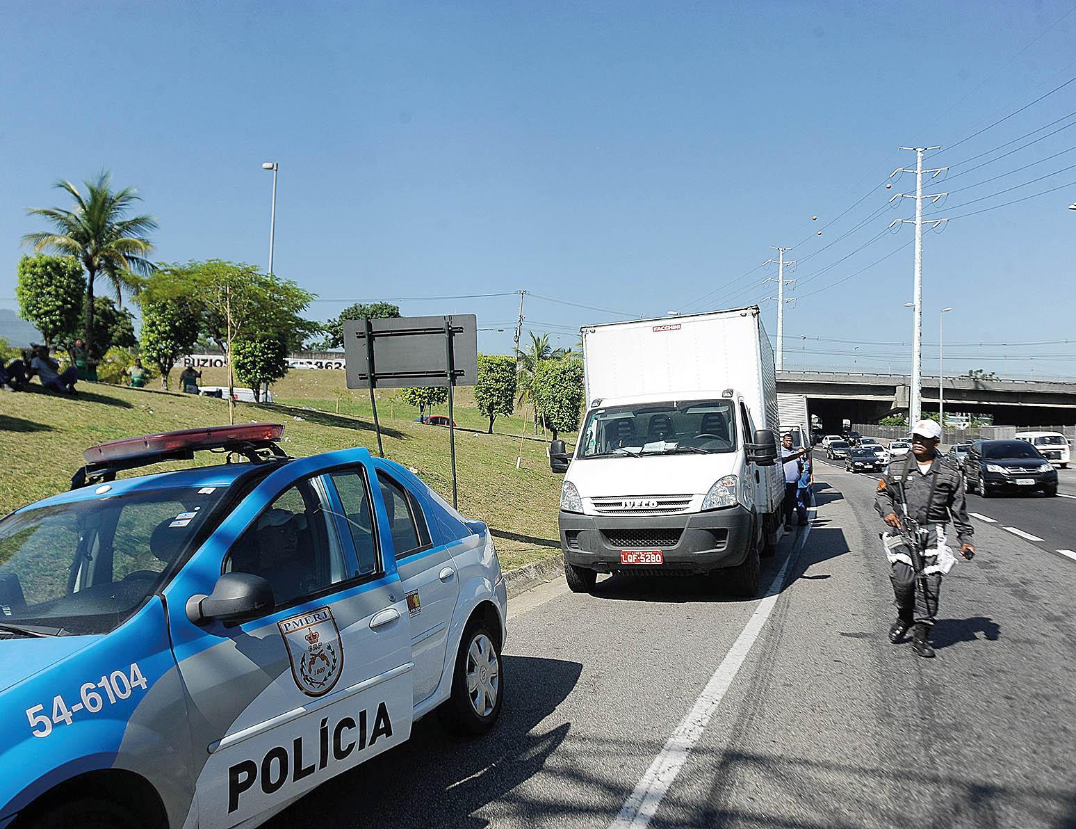 Geral Blitz na Linha Amarela - Rio de Janeiro Foto: Tania Rego/ ABr
