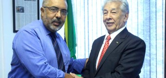 José Araújo China visita Senador Paulo Paim/RS – PT, autor do projeto  de Lei do Senado nº 271/08