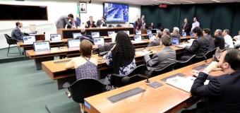 Relator entrega parecer do Marco Regulatório do Transporte de Cargas
