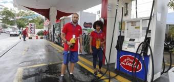 Greve de transportadoras de combustível deixa alguns postos sem gasolina no Rio