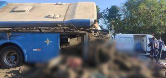 Acidente em rodovia no interior de SP provoca 32 mortes, diz PM
